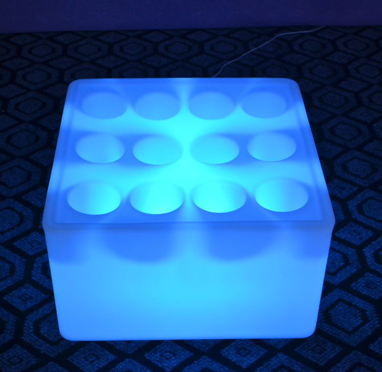 High-capacity colors change Square LED Service Tray